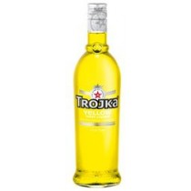 Trojka Vodka Yellow Liqueur 17% Vol. 70 cl
