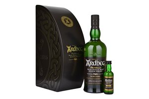 Ardbeg Ten 10 Years Single Malt Islay 46% Vol. 70 cl  & Ardbeg Uigedail 54% Vol 5cl Geschenkbox