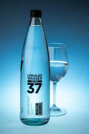 Lokales Wasser 37 mit Kohlensäure 12 x 100 cl MW Flasche